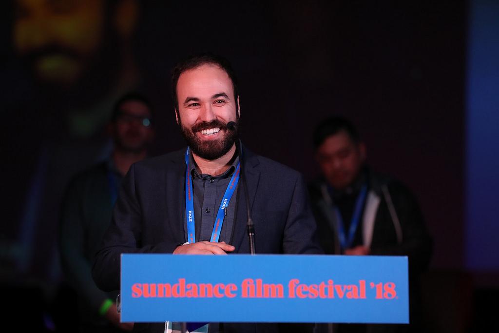 alvaro gago acepta el gran premio del jurado en sundance 2018